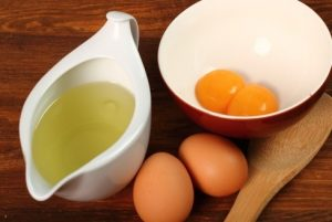 mascarilla de huevo y aceite de oliva