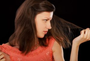 mascarilla de tomate para el cabello